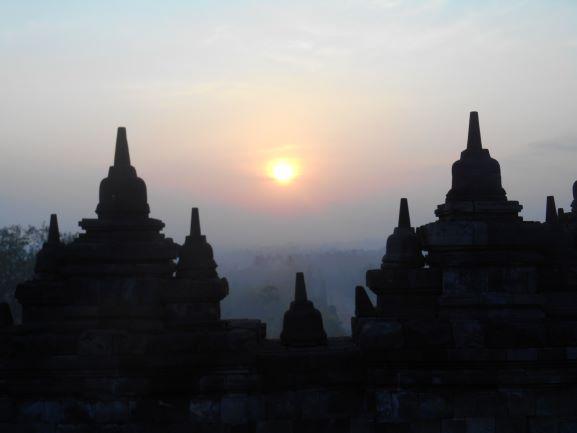Borobudur tour with Borobudur Holiday Tour and travel